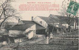 CPA:BACCARAT (54) FEMME ET PETITE FILLE À LA FERME DE LA ROCHOTTE..ÉCRITE - Baccarat