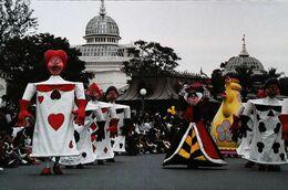 Walt Disney    Spectacle Alice Au Pays Des Merveilles   Reine   Cartes à Jouer Playing Card - Autres