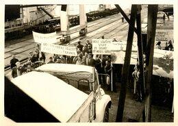 St Nazaire * Manifestation Des Paludiers Lors Du Chargement Du Sel Du Midi * Grève Grèves Grévistes Manifestants * 1971 - Saint Nazaire