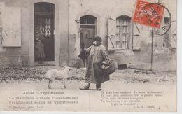 CPA Auch - Type Gascon - Le Marchand D'oeufs Franco-Russo ...(très Jolie Scène) - Auch