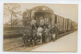 CPA PHOTO PHOTOGRAPHE COURBEVOIE TRAIN MILITARIA PLM SOLDATS INFIRMIERS CROIX ROUGE - Eisenbahnen