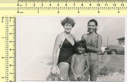 REAL PHOTO Beach Bikini Women And Kid Boy Maillot De Bain Femmes Et Garcon Plage SNAPSHOT - Anonymous Persons
