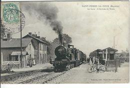 MAYENNE : St Pierre La Cour, La Gare, Arrivée Du Train, TOP CARTE ANIMEE... RARE... - Altri Comuni