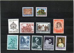 Vaticano - Lotto N. 11 Nuovi Differenti - Collections