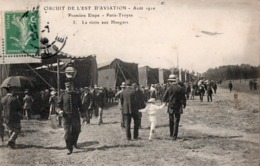CIRCUIT DE L'EST D'AVIATION - Août 1910. Première étape - Paris-Troyes. - 3. La Visite Aux Hangars. TBE. Voir SCANS - Troyes