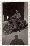 VECCHIA FOTO - OLD PHOTO - MOTOCICLETTA - MOTORCYCLE - Formato Cm. 5,5 X 8,5 Circa - Vedi Retro - Otros