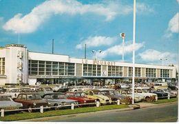 LE BOURGET - Aéroport - L'entrée De L'aérogare - Parking Simca, Citroën, Panhard, Chevrolet - Le Bourget
