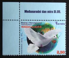 Bosnia Herzegovina 2018 Pigeon Birds Corner - Bosnien-Herzegowina