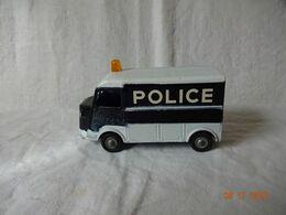 J.R.D. - . CAMION CITROËN - 1200 K. POLICE. EXCELLENT ETAT. PORTE COULISSANTE EN ETAT DE MARCHE - JRD