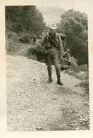 Grande Photo De Soldats Francais En Opération Dans La Région De Tablat En Algerie En 1961 - Guerre, Militaire