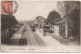 77 FONTAINEBLEAU   La Gare - Estaciones Con Trenes