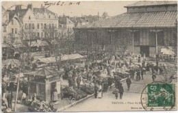 10 TROYES  Place Du Marché (très Animée) - Troyes