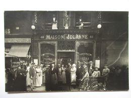 PARIS  - MAISON  JOUANNE   -  CARTE PHOTO  DE  GROUPE       TRES  ANIME            TTB - Pubs, Hotels, Restaurants