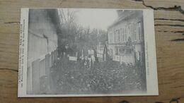 BAR SUR AUBE : Defense Vinicole, Manifestants Dans La Cour De La Sous Prefecture …………………..OX-5430 - Bar-sur-Aube