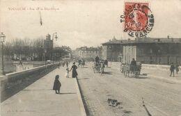 F1273 TOULOUSE - ANIMATIONS DE LA RUE DE LA RÉPUBLIQUE ET DU PONT NEUF - CIRCULÉ EN 1909 - Toulouse