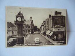 BRIDGE STREET AND TOWN HALL DOWNHAM MARKET ROYAUME UNI ANGLETERRE LONDON CPA 1953 SEPIATYPE POSCARD - Otros