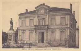 Saujon ,le Monument Aux Morts,l'Hotel De Ville ,2 Scans - Saujon