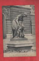 """CPA - Lille -""""Le Premier Pas """" - Motif De L'Entrée Du Palais Des Beaux Arts - Lille"""