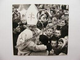 SAULNES 54 Meurthe Et Moselle Enfants Avec Saint Nicolas Fête Par Alcool BERGER Photo Originale - Luoghi