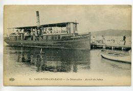 83 LES SABLETTES Les BAINS Bateau Vapeur Arrivée Au Débarcadere Voyageurs    /D01-2017 - Zonder Classificatie