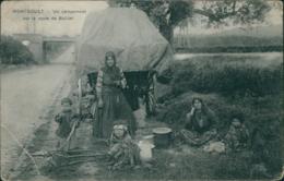 95 MONTSOULT / Un Campement Sur La Route De Baillet / - Montsoult