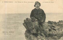 SAINT PIERRE Et MIQUELON Un Pêcheur Terreneuva De Morue - Carte Publicitaire Royal Moka - Saint-Pierre-et-Miquelon