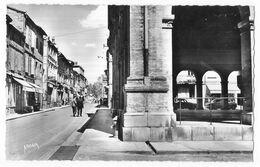 Carbonne La Halle Et Grande Rue - France