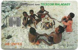 Madagascar - Telecom Malagasy - Children Cooking - 150Units, Chip SC7, 50.000ex, Used - Madagascar