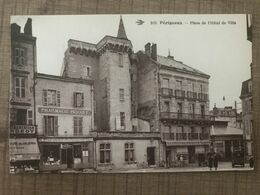 Perigueux Place De L'hotel De Ville - Périgueux