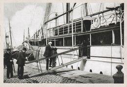 Leopold Ll Roi Des Belges Montant A Bord De Son Yacht L Alberta A Ostende (le Soir) - Königshäuser