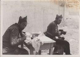 UNA ESCENA DE LA GUERRA CIVIL ESPAÑA. FOTOGRAFIA ANTIGUA 18X13CM - War, Military