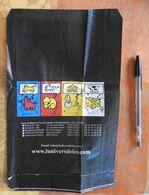 """Pochette En Papier Pour Cartes Postales Ou Autres Petites Cartes Avec Dessins De DIEZ """"L'Univers De Léo"""" - Supplies And Equipment"""
