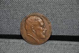 REF MON5 : Ancienne Médaille Bronze Medical Medecine Médecin Paul Chevallier A Guzman - Professionnels / De Société