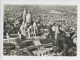 Paris : En Avion Sur...la Basilique Du Sacré-Coeur De Montmartre (cp Vierge N°7515 - R. Henrard Chef Opérateur) - Sacré Coeur