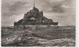 DEPT 50 : édit. Yvon N° B 1005 : Le Mont Saint Michel Par Marée D'équinoxe - Le Mont Saint Michel