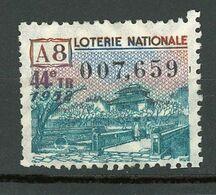 VIGNETTE DE BILLET DE LOTERIE NATIONALE - 44e Tirage Année 1952 - A8 (HUE) - Erinnophilie