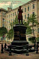 RUSIA // RUSSIE. ST PETERSBOURG. MONUMENT DE PUSCHKIN - Russia