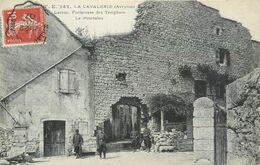CPA 12 Aveyron La Cavalerie Larzac Forteresse Des Templiers Le Pourtalou - Militaria - Militaires Soldats - La Cavalerie