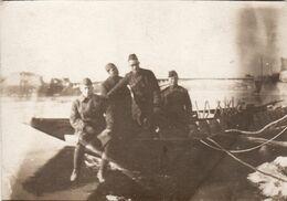 Photo Originale 14-18 DECIZE - Soldats Américains Sur Une Barque (A58, Ww1, Wk1) - Decize