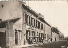 21 Rouvray. Rue Marechal Leclerc. Hotel De La Poste - France