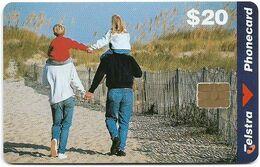 Australia - Telstra (Chip) - Family Scene - Exp. 06.2000, Chip Siemens S35, 20$, 33.000ex, Used - Australië