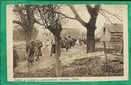 """""""Soldats Se Rendant Au Cantonnement Octobre 1916"""" 2scans Militaria Guerre 1914-1918 - Geschiedenis"""