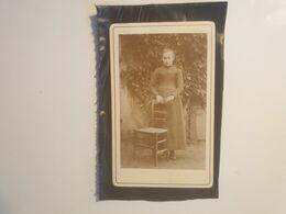 Cdv Ancienne Années 1800 Portrait D'une Enfant. - Alte (vor 1900)