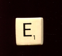 Feve A L Unite Scrabble De Luxe N4 / 1.0p17a2 - Altri