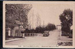 SUCY-en-BRIE - Entrée Du Stade Et Le Pont  Animée ,non   Voyagée   Bon état - Sucy En Brie