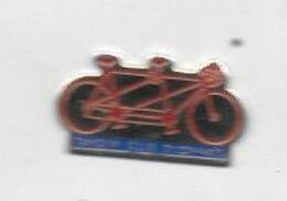 Pin's  Ville  DIJON, Sport  Cyclisme  TANDEM  CLUB  DIJONNAIS  ( 21 ) - Radsport