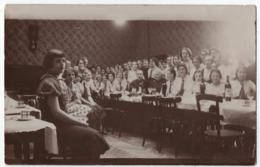 CARTE PHOTO : ECLAIREUSES & GUIDES DU GUIDISME ? (SCOUTISME POUR LES FILLES) - BETHUNE (62) ? EN 1935 - Z 2 SCANS Z- - Da Identificare