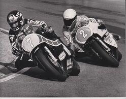 1980 GRAND PRIX MOTOR CYCLE RACING BARRY SHEENE AKAI TEXACO KENNY ROBERTS 21*17cm Motocross Course De Motos MOTORCYCLE - Coches