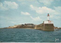 Saint Malo Le Phare Et Le Mole Des Noirs - Saint Malo