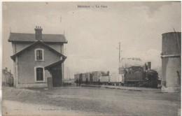 36 BELABRE  La Gare  Et Le Train - Estaciones Con Trenes
